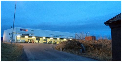 Trondheim Lufthavn Værnes--Hentes på Jetpak/SAS Carg